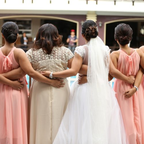 10 Gift Ideas That Your Bridesmaids Won't Hate